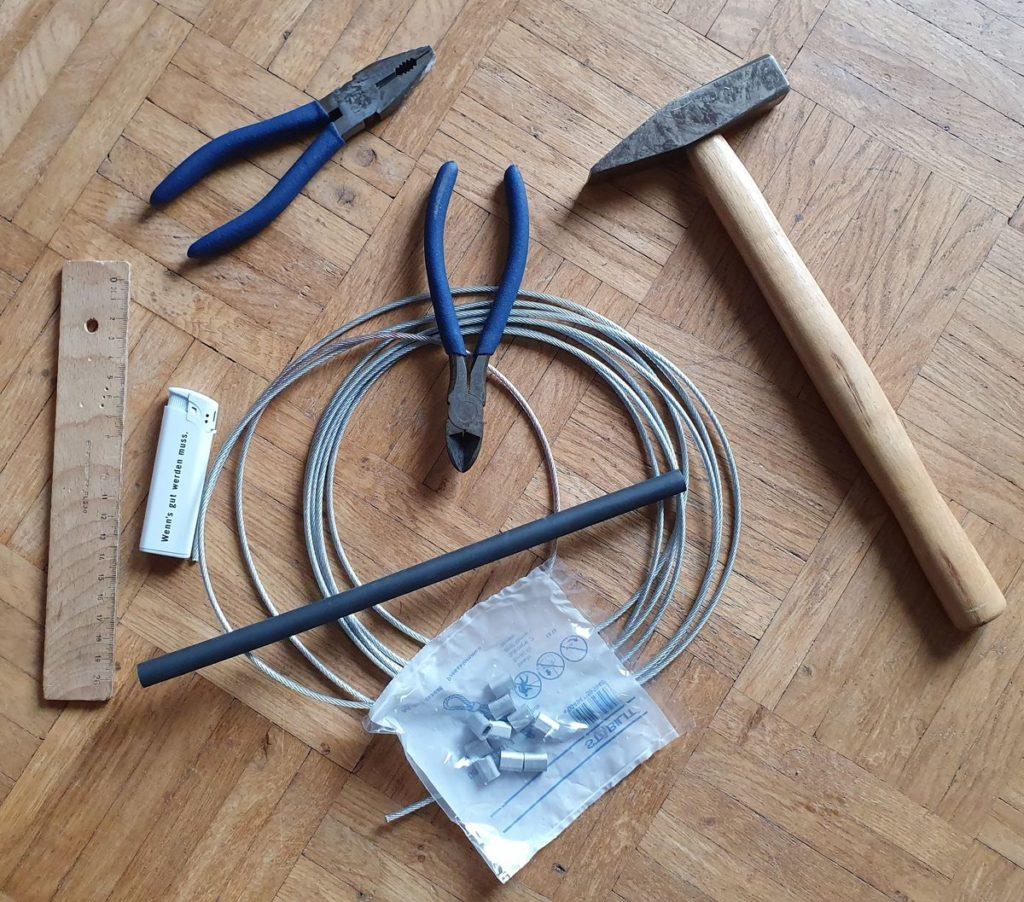 Werkzeuge und Material für Diebstahlsicherung der Ortlieb-Taschen