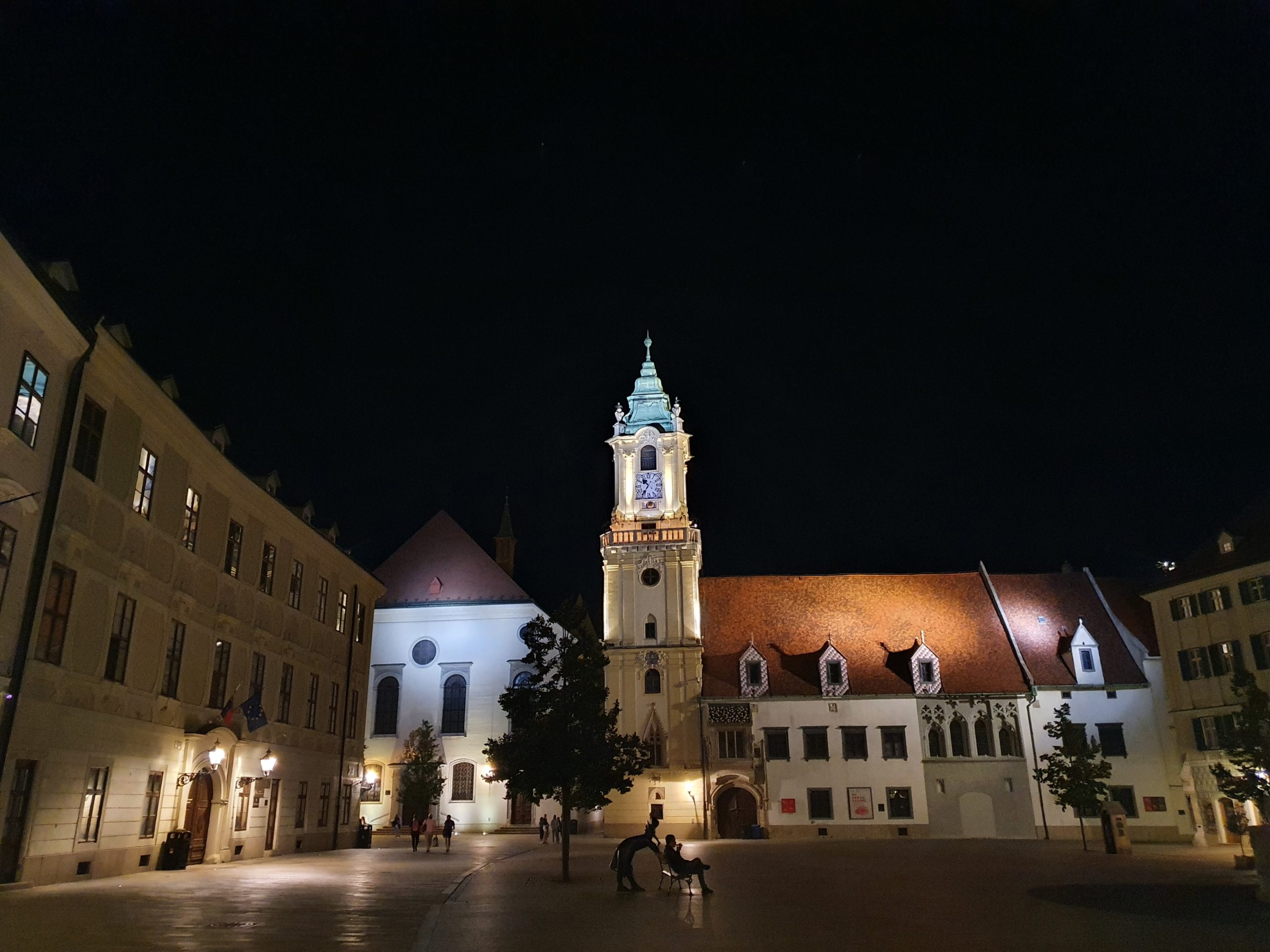 Hauptplatz Altstadt Bratislava bei Nacht