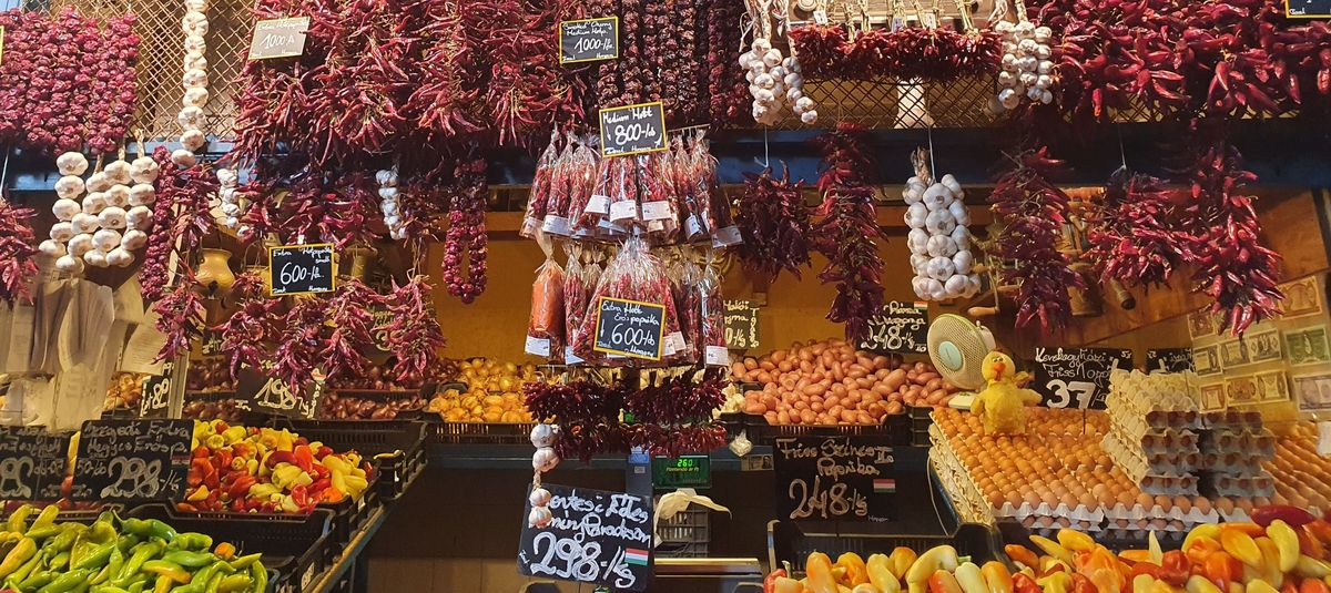 Paprika in der großen Markthalle Budapest