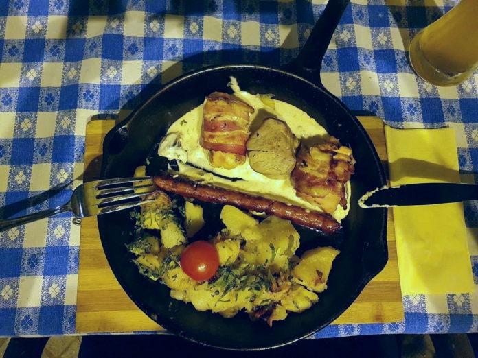 Rumänische Fleischpfanne