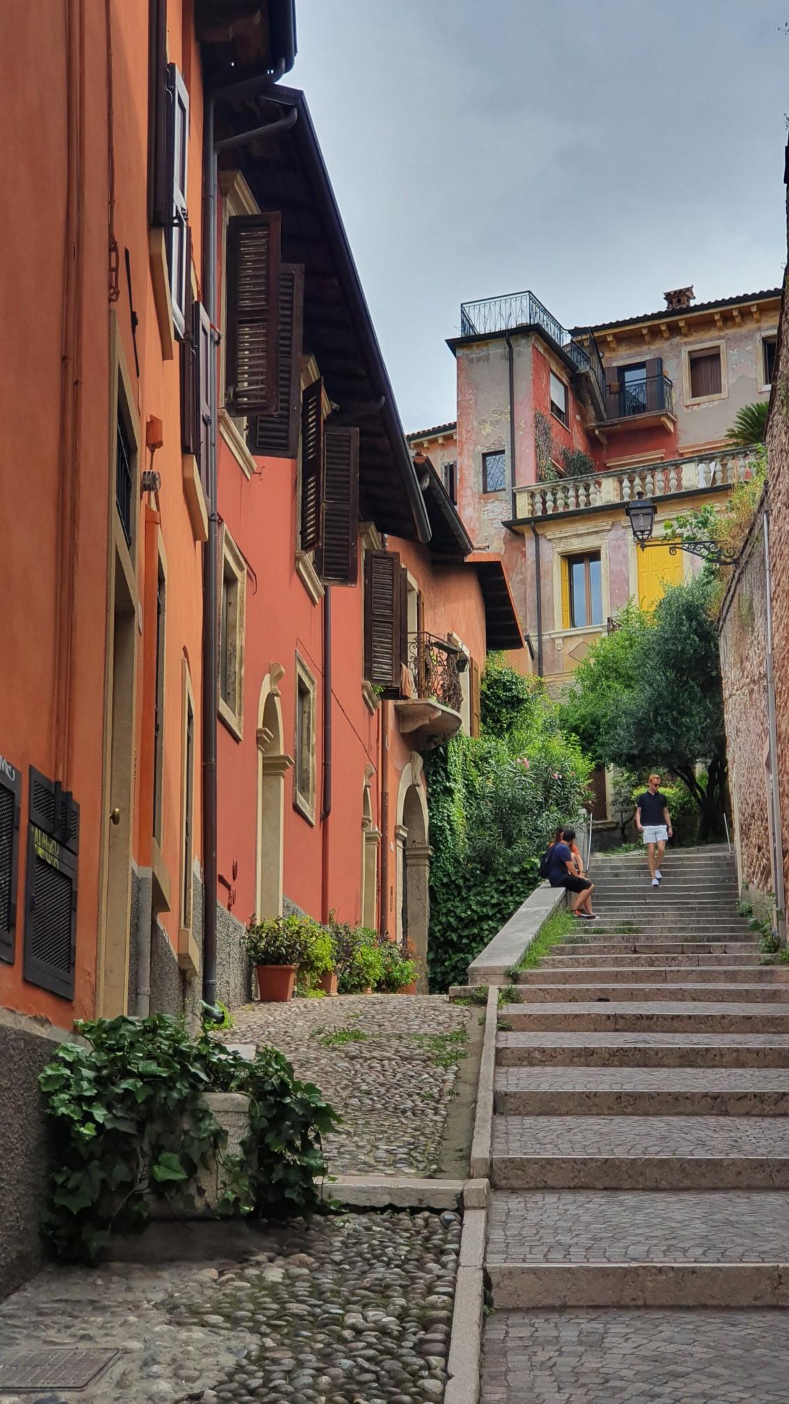 Aufstieg zum Castel San Pietro in Verona
