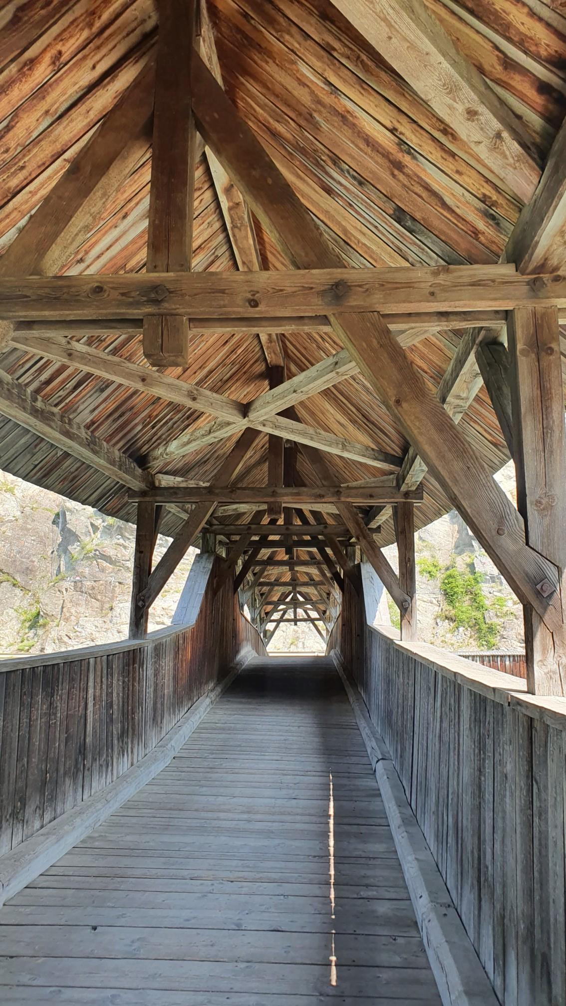 Holzbrücke bei Fließ