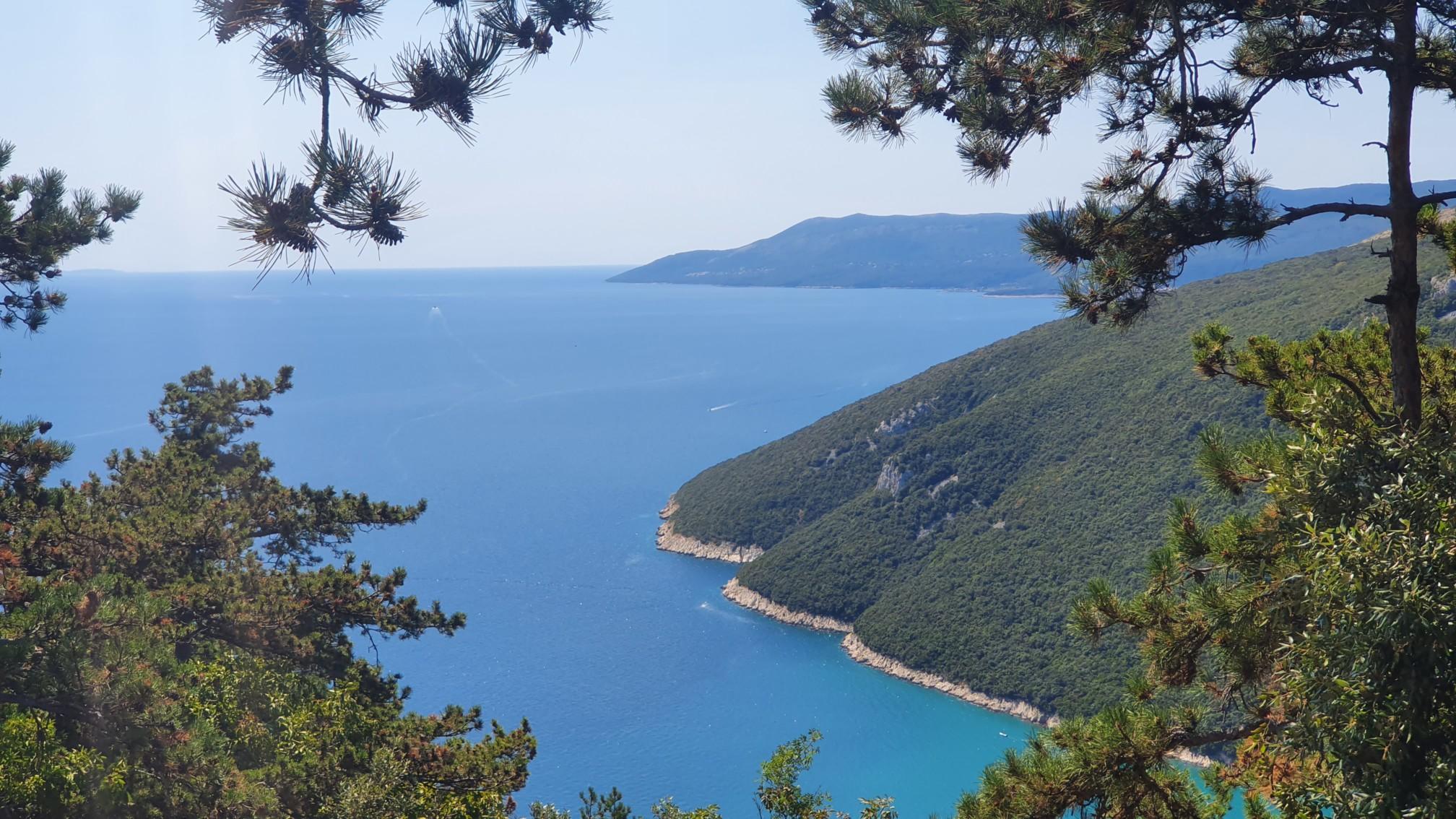 Istrische Westküste bei Plilomin
