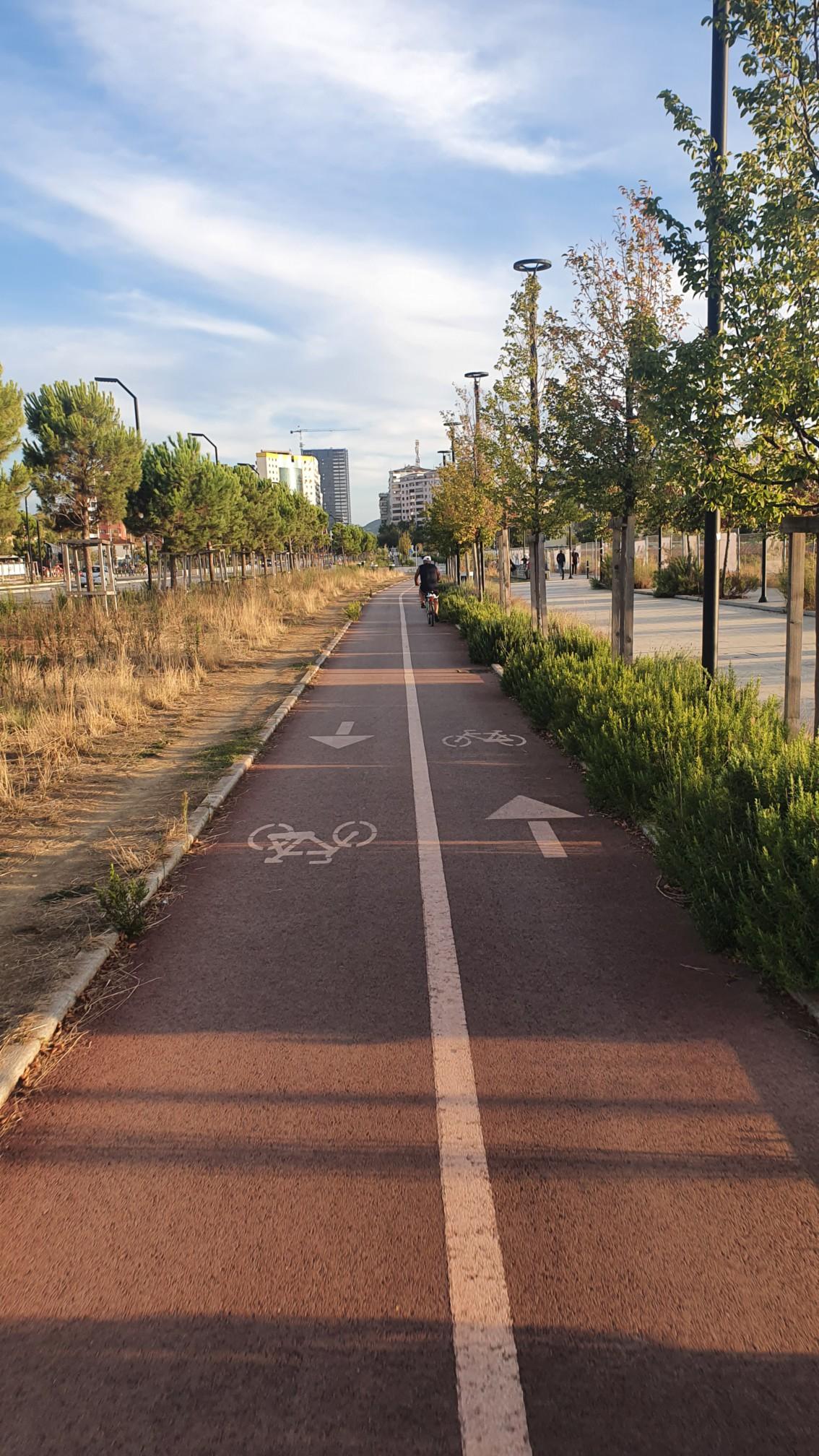 Radweg in Tirana